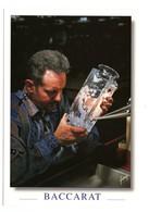 Cristallerie De BACCARAT (54) - Un Meilleur Ouvrier De France Gravant Un Vase à La Roue - Baccarat