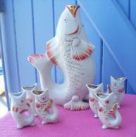 Service à Liqueur Céramique Vintage En Forme De Poisson Et 6 Verres - Porselein & Ceramiek
