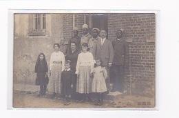 SOLDATS TIRAILLEURS SENEGALAIS Et Une Famille à Localiser Photographe VERNON 27 Lavergne - Guerre 1914-18