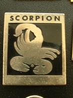 Pin's SIGNE ASTROLOGIQUE - ZODIAQUE - SCORPION - Pin's