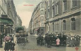 """CPA FRANCE 75010 """"Paris, Rue Saint Maur, Sortie Des écoles"""" / Collection TOUT PARIS / COLORISÉE - Arrondissement: 10"""