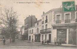 82) VALENCE D'AGEN (TARN ET GARONNE) PLACE SYLVAIN DUMON ET RUE LABORIE - (ANIMEE - OUVRIERS SUR ECHAFAUDAGE - 2 SCANS - Valence
