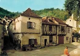 St Cirq Lapopie Premier Village De France Place Du Sombral    CPM Ou CPSM - Saint-Cirq-Lapopie
