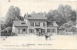 MOREUIL: PLACE DE LA GARE - Moreuil