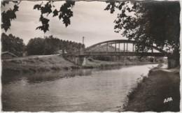 H8- 82) MALAUSE (TARN ET GARONNE) LE PONT  DE PALOR SUR LE CANAL  -  (2 SCANS) - Frankrijk