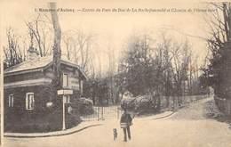 "CPA FRANCE 92 ""Chatenay Malabry, Hameau D'Aulnay, Entrée Du Parc Du Duc De La Rochefoucauld"" - Chatenay Malabry"