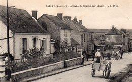 Rablay-sur-Layon Animée Arrivée Du Champ-sur-Layon Attelages Voiture - Other Municipalities