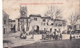 FRANCE 1904 CARTE POSTALE DE VILLELONGUE DE LA SALANQUE   LA PLACE PUBLIQUE - Autres Communes