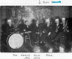 The Merry Boys Jazz-ARS-SUR-MOSELLE 1936-37 ( Meme Nom De Famille STE DE MUSIQUE D' ARS-SUR-MOSELLE Legende D' Album  ) - Altri Comuni