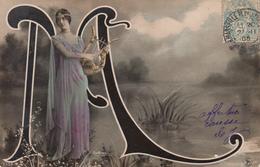 CPA  FEMME Artiste CLEO DE MERODE  ALPHABET  Lettre M - Artistes