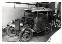 Photo Originale Coupé 1920 à Identifier Chez Le Carrossier Poncé à Blanc Vers 1960 - Automobiles