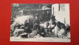 LA CORSE - TYPES DE LAVEUSES - France