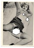 Photo Amateur Femme Blonde Avec Porte-jaretelles Et Bas - Nus Adultes (< 1960)
