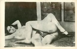 NU NACKT NUDE  FEMME ET HOMME NUS  CARTE PHOTO - Desnudos Adultos (< 1960)