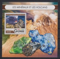 N730. Guinea - MNH - 2016 - Nature - Minerals - Volcanos - Bl. - Flora