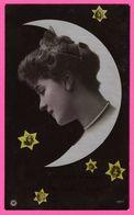 Montage - Portrait De Femme Dans Croissant De Lune Et Fillette Dans Les étoiles - Fillettes - Edit. N.P.G. - Femmes