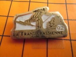 2619 PINS PIN'S / Beau Et Rare : Thème SPORTS D'HIVER / SKI DE FOND COURSE 1992 LA TRANSJURASSIENNE - Wintersport
