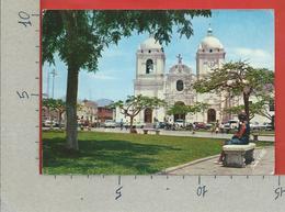 CARTOLINA VG PERU - TRUJLLO - La Catedral En La Plaza De Armas - 10 X 15 - 1988 Affrancatura Meccanica Rossa ATM - Perù