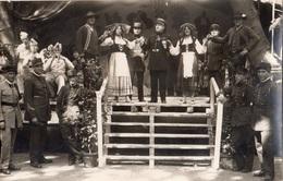 """AVIGNON 7 EME REGIMENT DU GENIE PENDANT LES FETES 1934 1935 """"HOMMES TRAVESTIS EN ALSACIENNE) - Avignon"""