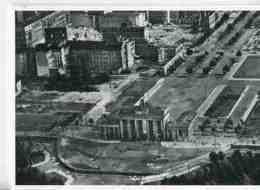 D641 - BERLIN - Berliner Mauer - Brandenburger Tor 1961 - Unter Den Linden (Reproduction) - Berliner Mauer