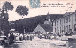 52 - Haute Marne - VOUECOURT - Place De La Mairie - Eglise - Animée - 1906 - Sonstige Gemeinden