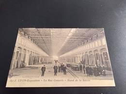 CP (69) Lyon.Exposition. La Rue Couverte.  Stand De La Soierie.   (H2307). - Lyon