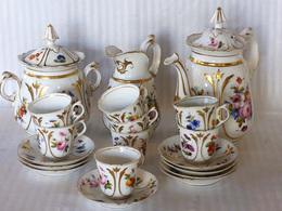 Service à Café En Porcelaine De Limoges - Ceramics & Pottery