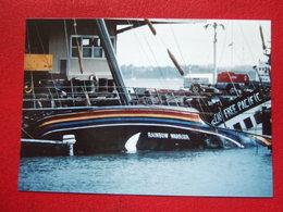 """NOUVELLE ZELANDE  - BATEAUX - PHOTO 15 X 10 - """" RAINBOW WARRIOR """" -  ATTENTAT A AUKLAND -   RARE """" - - Nouvelle-Zélande"""