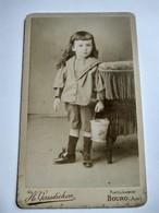 CDV  Garçonnet Avec Son Seau De Plage - Circa 1890 -Photo Gaudichon, BOURG-EN- BRESSE - BE - Photographs