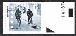 Italia, Italy, Italien, Italie 2018; Due Carabinieri In Bicicletta Perlustrano La Città, 2 Carabinieri By Bicycle. - Ciclismo