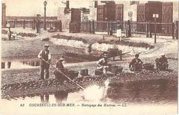 Dépt 14 - COURSEULLES-SUR-MER - Nettoyage Des Huîtres - (LL N° 42) - Courseulles-sur-Mer