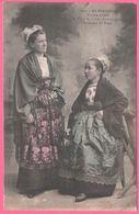 Jeunes Filles Du Pays De Léon - Landivisiau - Costume De Fête - Collection VILLARD - 1907 - Landivisiau