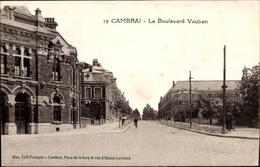 Cp Cambrai Nord, Le Boulevard Vauban, St. Quentin, Straßenpartie - Francia