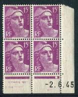 """Bloc** De 4  Timbres De 1945 """"15 F. - Marianne De Gandon"""" Avec Date  2 . 6 . 45 (1 Point) - 1940-1949"""