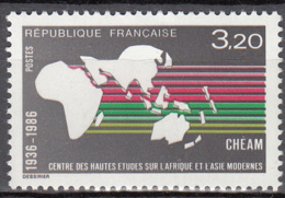 France 2412 ** - Unused Stamps