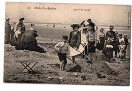 MALO LES BAINS SCENE DE PLAGE ENFANTS JOUANT AU SABLE TRES ANIMEE - Malo Les Bains