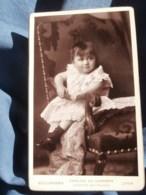 Photo CDV  Bellingard à Lyon  Bébé Joufflu Assis Sous L'accoudoir D'un Fauteuil  Robe Broderie Anglaise CA 1890 - L481D - Photographs