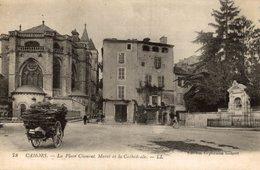 46 CAHORS LA PLACE CLEMENT MAROT ET LA CATHEDRALE CPA BON ETAT - Cahors