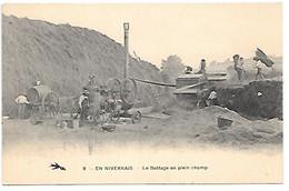 Cpa...en Nivernais....le Battage En Plein Champ...(moissonneuse-batteuse)....animée..... - Landbouwers