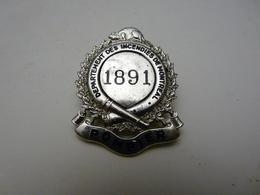 Insigne De Sapeur Pompier  Departement Des Incendies De Montreal  1891 - Firemen