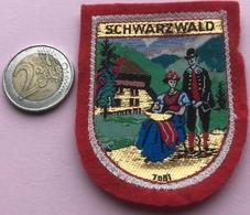(13) Blazoenen - Emblemen - Textiel - Schwarzwald - Blazoenen (textiel)