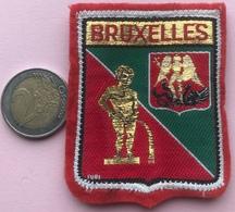 (19) Blazoenen - Emblemen - Textiel - Bruxelles - Blazoenen (textiel)