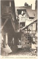 Dépt 14 - LISIEUX - Cour De Charlotte Corday - Route De Caen - (Édit. J. B. N° 22) - Lisieux