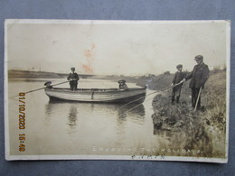 CPA Angleterre Suffolk - SNAPE LE MALTINGS - écrite Et Timbrée Aldeburg 1910 Pêcheurs à La Ligne - Angleterre