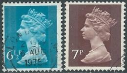1974-75 GRAN BRETAGNA USATO EFFIGIE REGINA ELISABETTA II 2 VALORI - RC2-8 - 1952-.... (Elisabetta II)