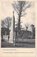 53 - LE GENEST ( ST ISLE ) Monument Aux Soldats Morts Pour La Patrie - CPA Village (2.135 Habitants) - Mayenne - Le Genest Saint Isle