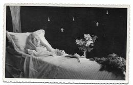 Femme Sur Son Lit De Mort Photo Carte Post Mortem - Anonymous Persons