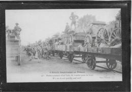 AK 0404  L' Armée Américane En France - Embarquement D' Un Train De Combat Pour Le Front Um 1914-18 - Krieg, Militär