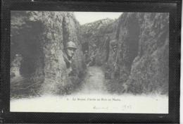 AK 0404  Le Boyau D' Accés Au Bois En Hache Um 1917 - Krieg, Militär