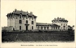 Cp Maisons Laffitte Yvelines, Les Ecole Et La Rue Saint Nicolas - France